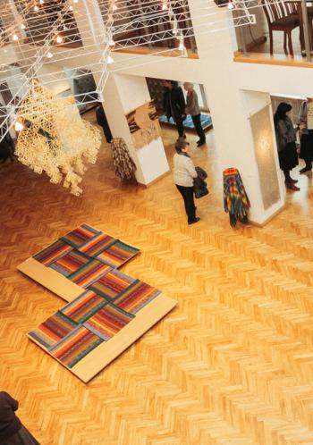 """Latvijai 100. TLMS """"Dardedze"""" izstāde """"Tautas tērpi – tradicionālie un jaunrade"""""""