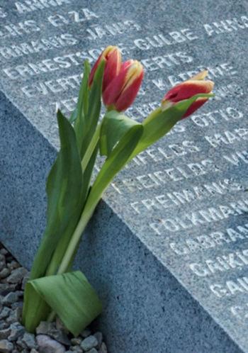 Komunistiskā genocīda upuru piemiņas brīdis Svētbirzī